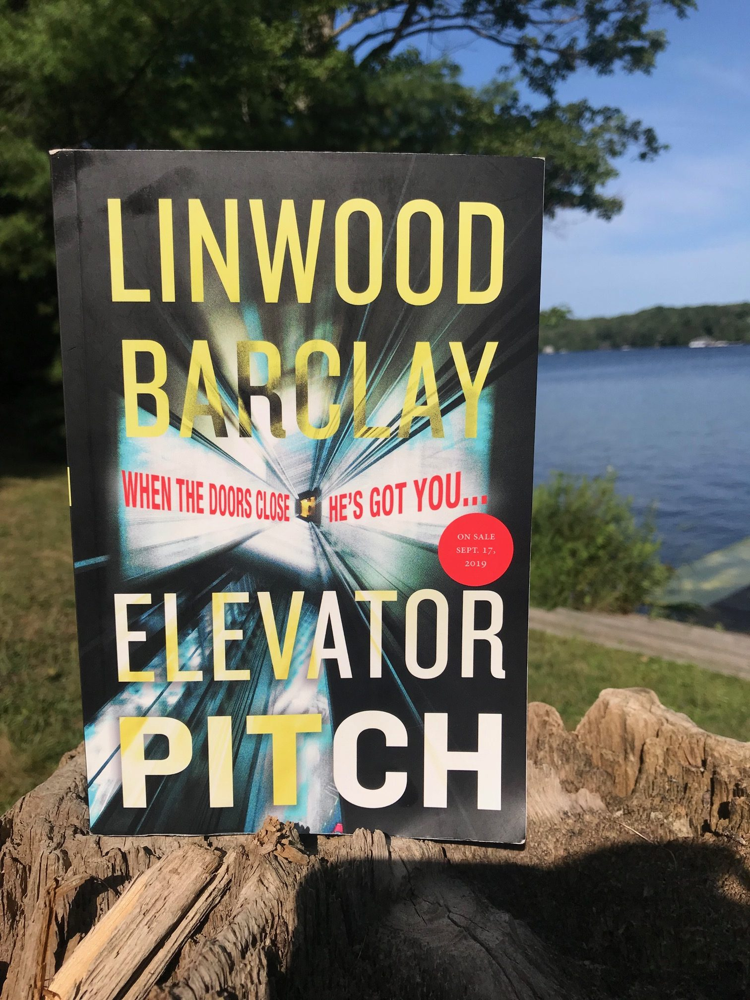 Book Review: Elevator Pitch by Linwood Barclay